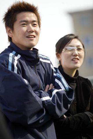组图 世界体坛百大情侣 肇俊哲与妻子