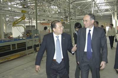 英国驻华大使专程考察MG名爵生产基地
