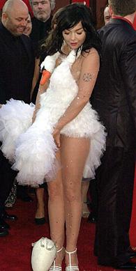 组图:奥斯卡时尚灾难 盘点巨星着装尴尬时刻