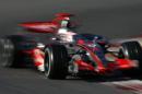 图文:F1西班牙试车结束 迈凯轮急速行驶