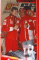 图文:F1西班牙试车结束 舒马赫与工程师