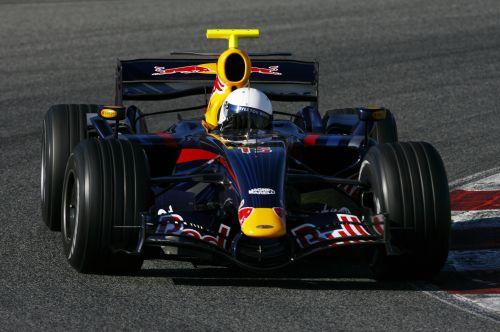 图文:F1西班牙试车结束 韦伯参加测试