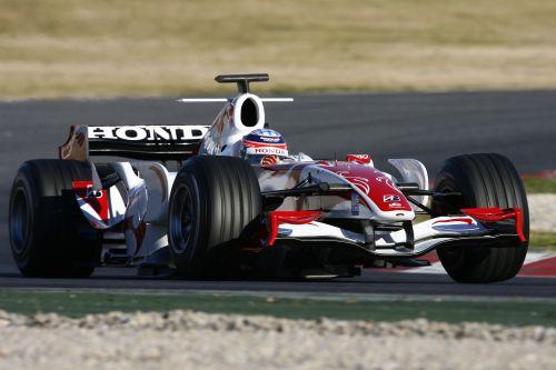图文:F1西班牙试车结束 佐藤琢磨进行测试