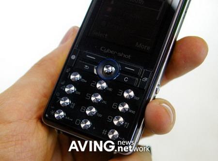 3GSM新品手机图赏:索爱K810(组图)