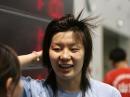 图文:游泳队迎春测试赛 周雅菲接受采访