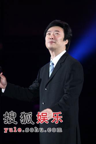 郭台铭7亿尾牙秀刘嘉玲缺席 林志玲一舞50万