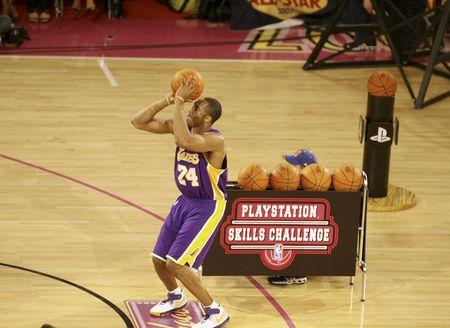 NBA图:全明星技巧挑战赛 科比比赛