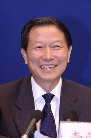 李荣融称今年国资委将着力于产权和资本管理