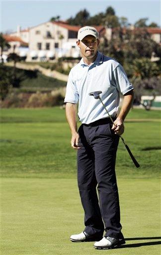 图文:2007尼桑高尔夫公开赛 哈灵顿的推杆失算