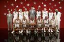 图文:姚明助阵NBA全明星赛 姚明与西部队合影