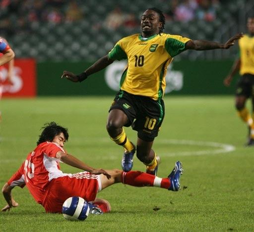 图文:国奥点球不敌牙买加 戴琳凶狠防守