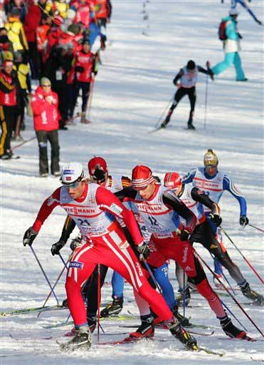 图文:北欧滑雪世锦赛 比赛过程争夺激烈