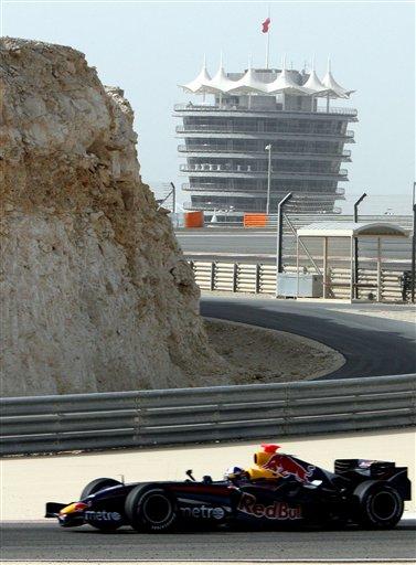 图文:F1车队巴林赛道试车 库塔进行测试