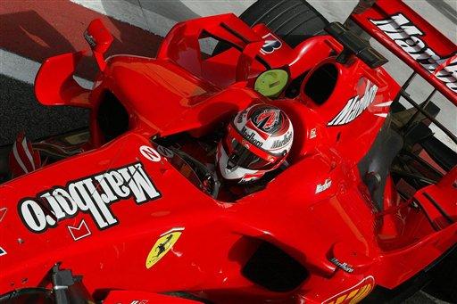 图文:F1车队巴林赛道试车 俯瞰莱科宁赛车