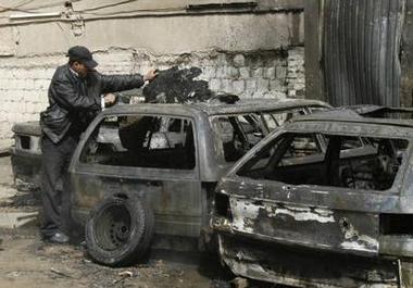 伊拉克清真寺和大学相继爆炸夺命过百(组图)