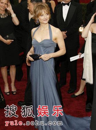 图:朱迪-福斯特蓝色长礼亮相 展现雍容之美