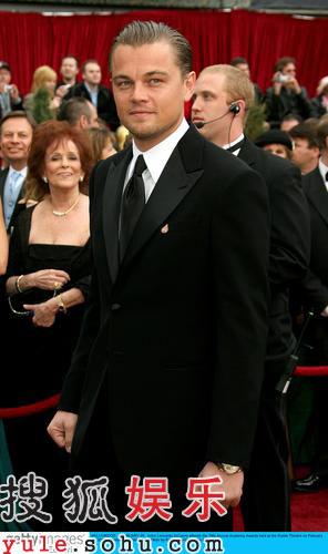 图:莱昂纳多-迪卡普里奥亮相红毯 英俊帅气