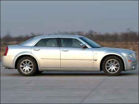 商用车谁首选?对比A6L 530Li与300C