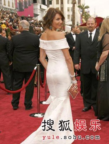 图:卡梅隆-迪亚兹转身秀美背展性感丰臀