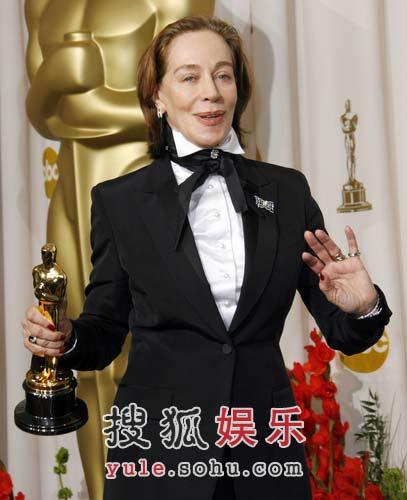 图:《绝代艳后》获颁最佳服装设计奖