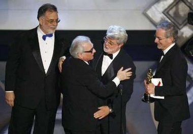 图: 四大导演同台 卢卡斯拥抱马丁-斯科赛斯