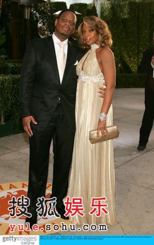 图:奥斯卡派对 R&B天后玛丽布莱姬与丈夫相拥