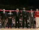 NBA图:热火胜骑士  莱利在开幕式上