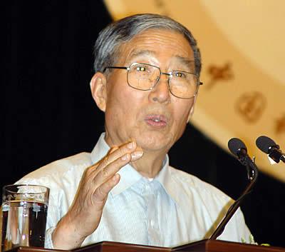 李振声被授予中国2006年度国家最高科技奖