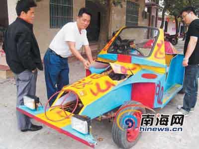 海南一农民为逃违章处罚花万元自造汽车(组图)