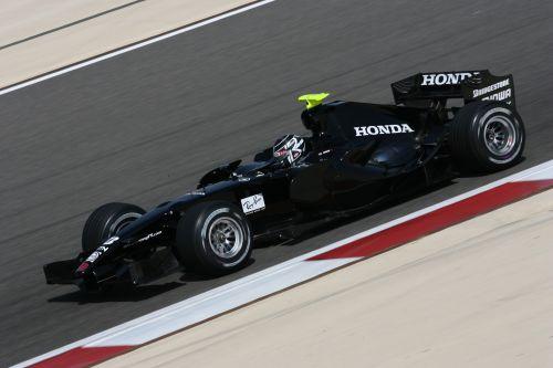 图文:F1车队在巴林试车 巴顿进行测试