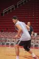 NBA图:姚明赛前单独训练 篮下进攻