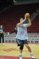 NBA图:姚明赛前单独训练 虚晃一枪