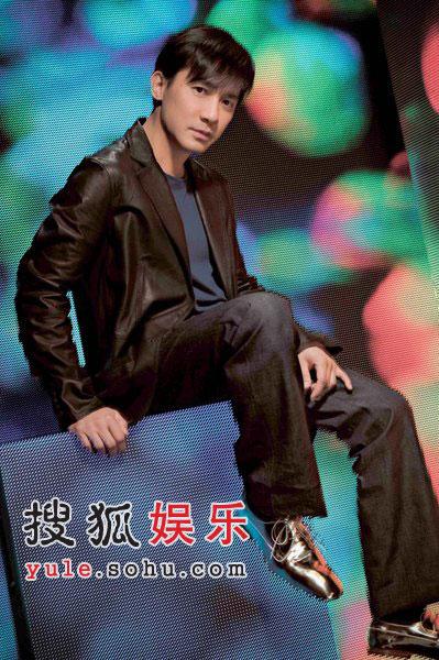 梁朝伟出席影视博览 对刘嘉玲绝对信任