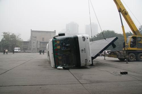 """海格客车侧翻采用欧洲标准 """"安全为本"""""""