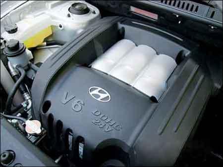 『华泰圣达菲的发动机』高清图片