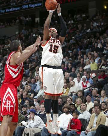 NBA图:火箭VS掘金 安东尼三分出手