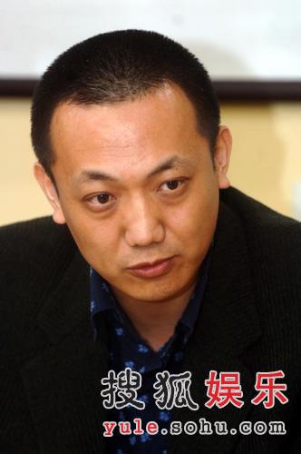 陈晓旭丈夫郝彤昨日出家 众法师见证剃度过程