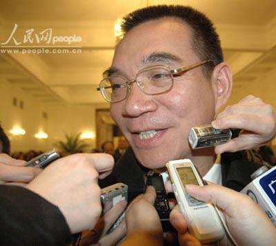 林毅夫委员:政协常委会工作报告很实在(图)