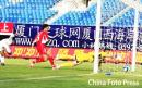 图文:[中超]厦门蓝狮1-3长春 杜震宇头球破门
