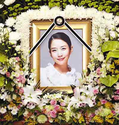 郑多彬 韩国/像郑多彬这样的名人自杀事件,让大众震惊的同时也起到了不良的...