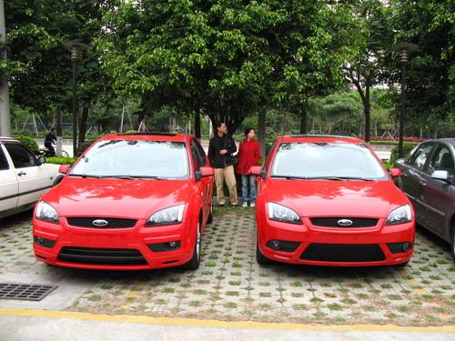 福特福克斯两厢st_[新车对比]新旧福克斯两厢运动版(组图)-搜狐汽车
