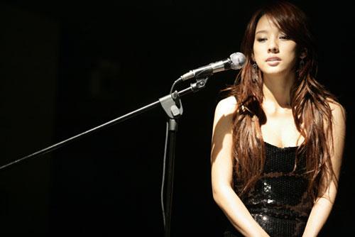 """李孝利李东健戏中""""相爱"""" 最新海报曝光(图)"""