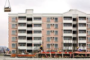 同德泽德花苑首批廉租房目前正在进行装修收尾工作。