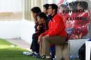 图文:[阿尔加夫杯]中国1-2美国 王海鸣指挥比赛
