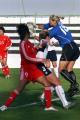 图文:[阿尔加夫杯]中国1-2美国 美国队门前混战