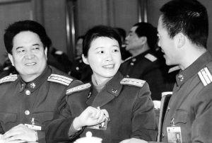 杨柳代表——为女军人搭建事业平台-女代表话和谐图片