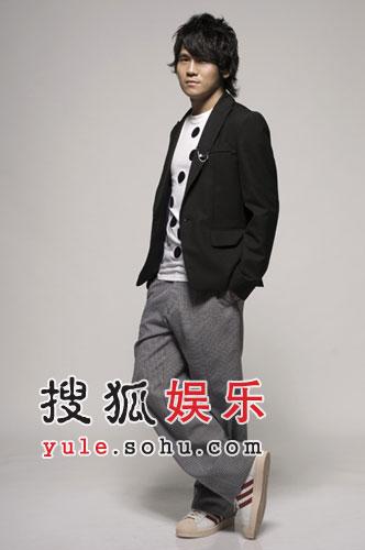 赶赴香港宣传新专辑 曹格继续暗恋薛凯琪(图)