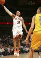 图文:[NBA]掘金队96-110勇士 艾弗森单手上篮