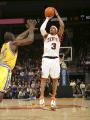 图文:[NBA]掘金队96-110勇士 艾弗森三分出手