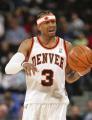 图文:[NBA]掘金队96-110勇士 艾弗森一脸郁闷
